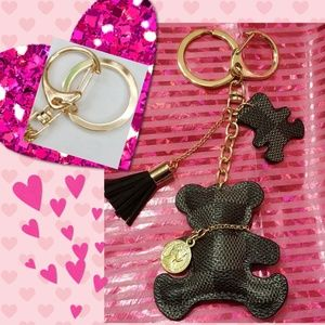 Accessories - (1) Black/Gray Checkered Bear Keyring/Bag Charm